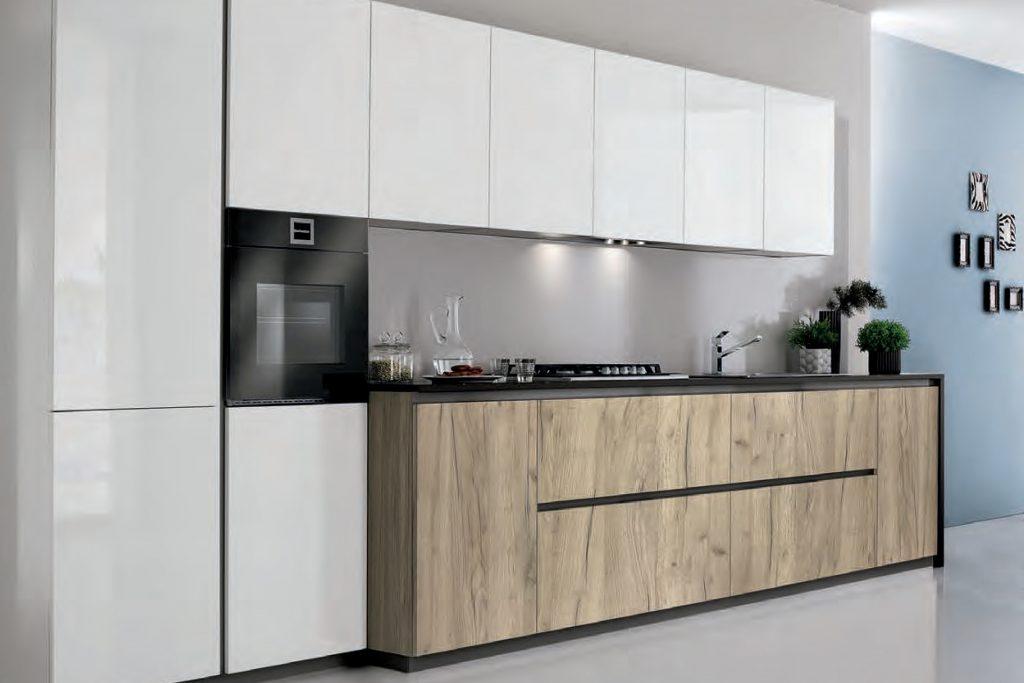 cucina senza maniglie aperture a gola laccata lucida e legno di ...